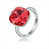 Picture of Wholesale Platinum Plated Swarovski Element Fashion Ring with No-Risk Return