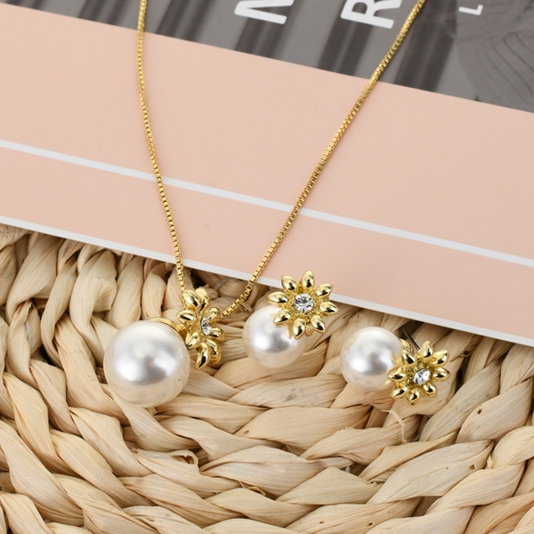 Picture of Attractive White Casual Necklace and Earring Set For Your Occasions