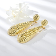 Picture of Hypoallergenic Gold Plated Zinc Alloy Dangle Earrings with Easy Return